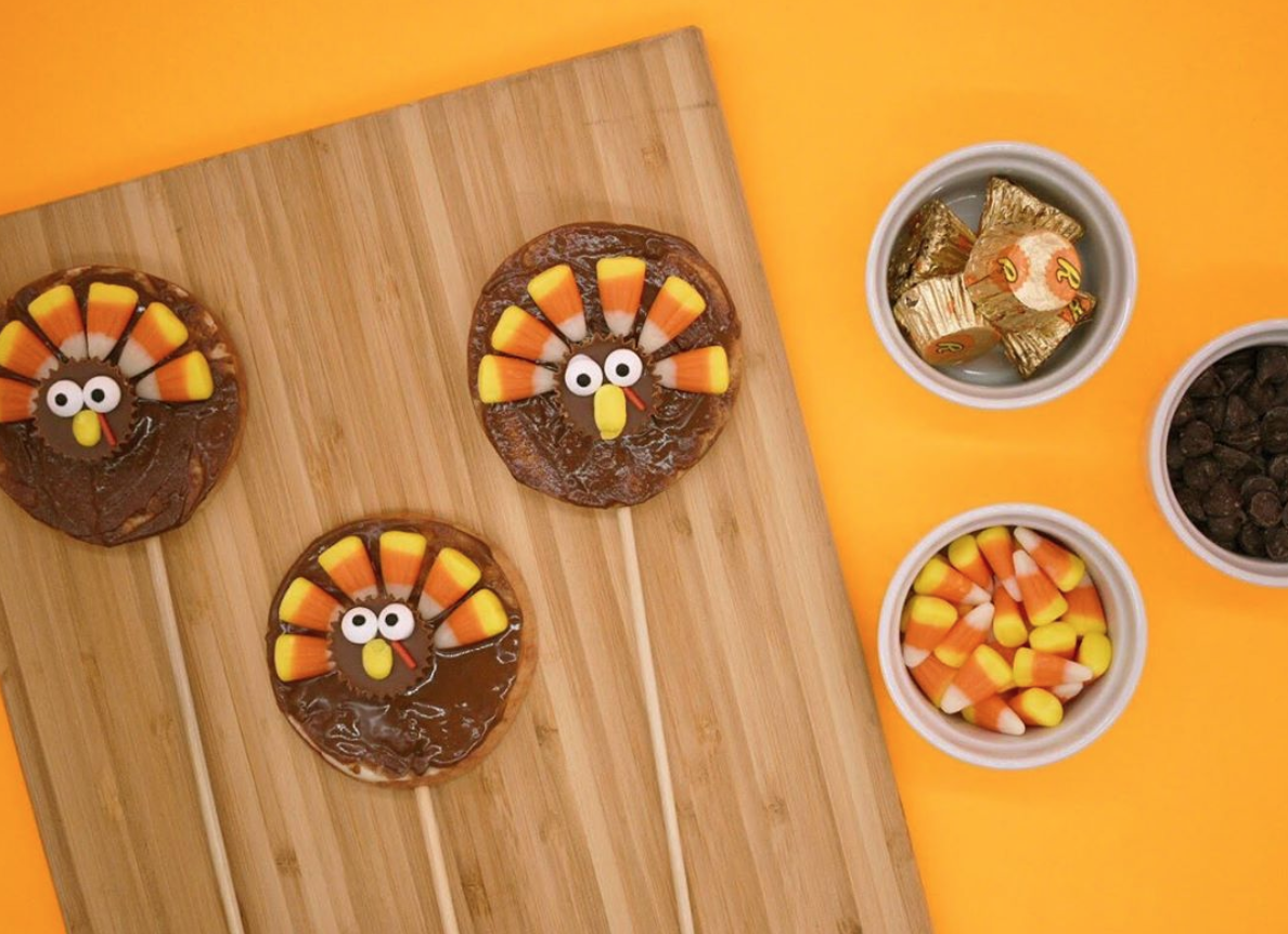 "No Fowl Play involved in the Creation of These Fun Apple ""Turkey"" Pops!"